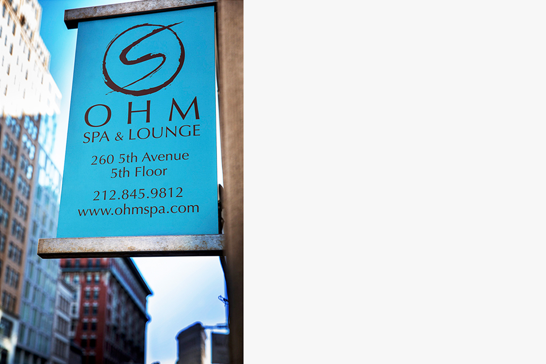 1308-Ohm_outdoor-sign