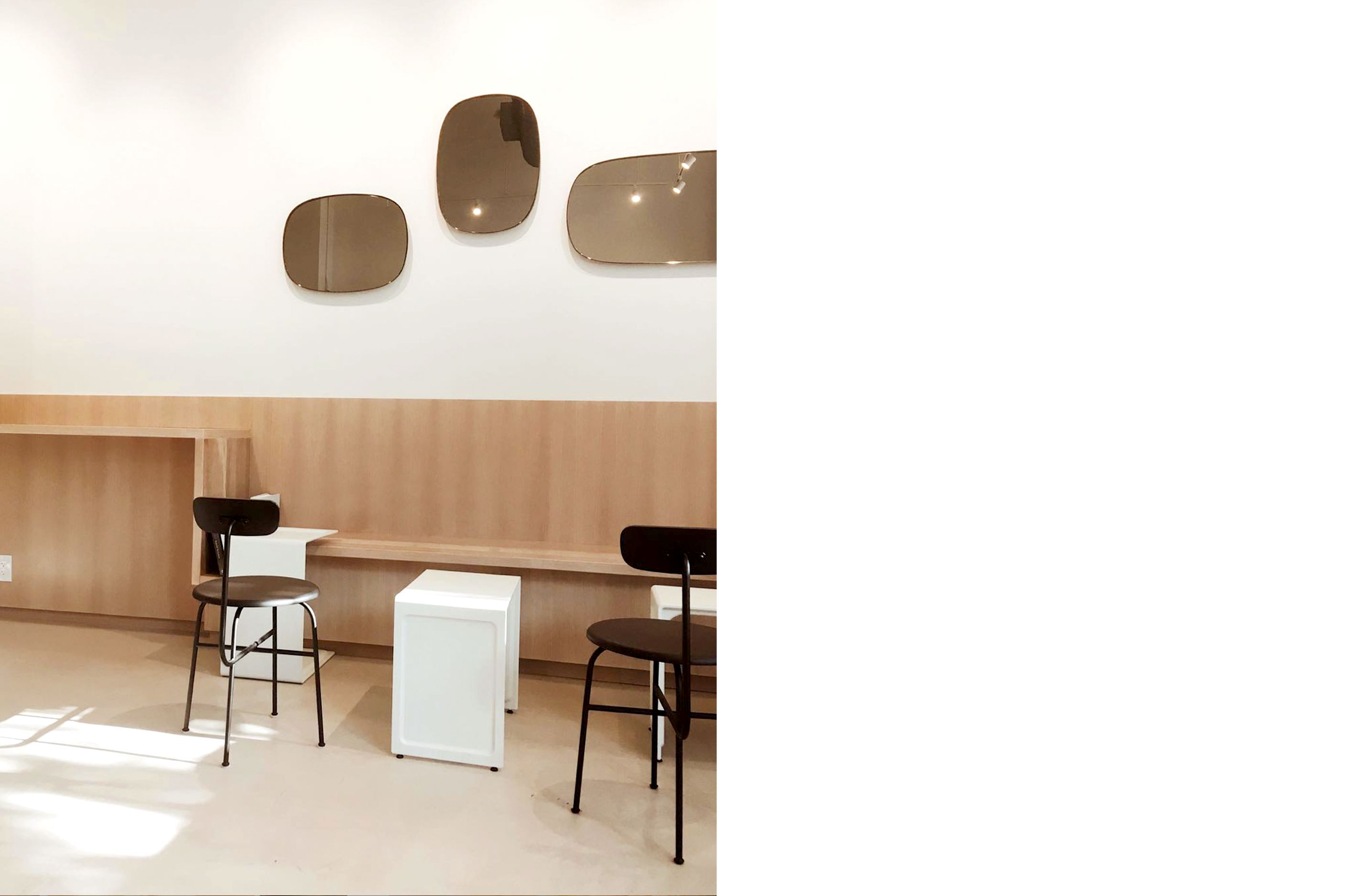 interlude bench mirrors